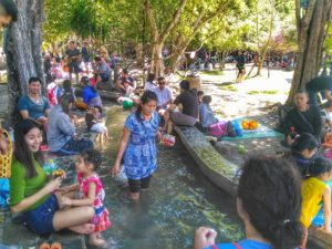 San Kamphaeng Hot Springs, Chiang Mai - crowd soaking feet