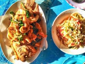 Fish and Som Tam Papaya Salad Lunch at Chiang Mai Lake