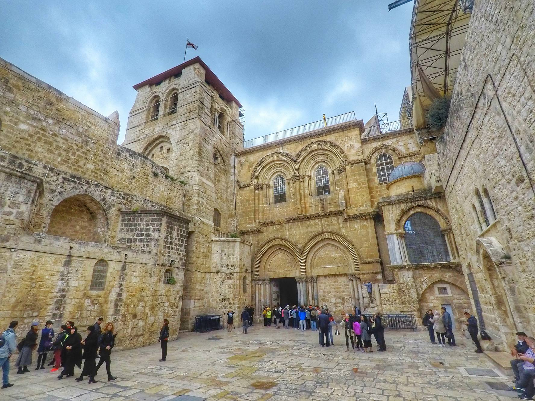 Church Of The Holy Sepulchre - Tomb of Jesus Christ Jerusalem Israel