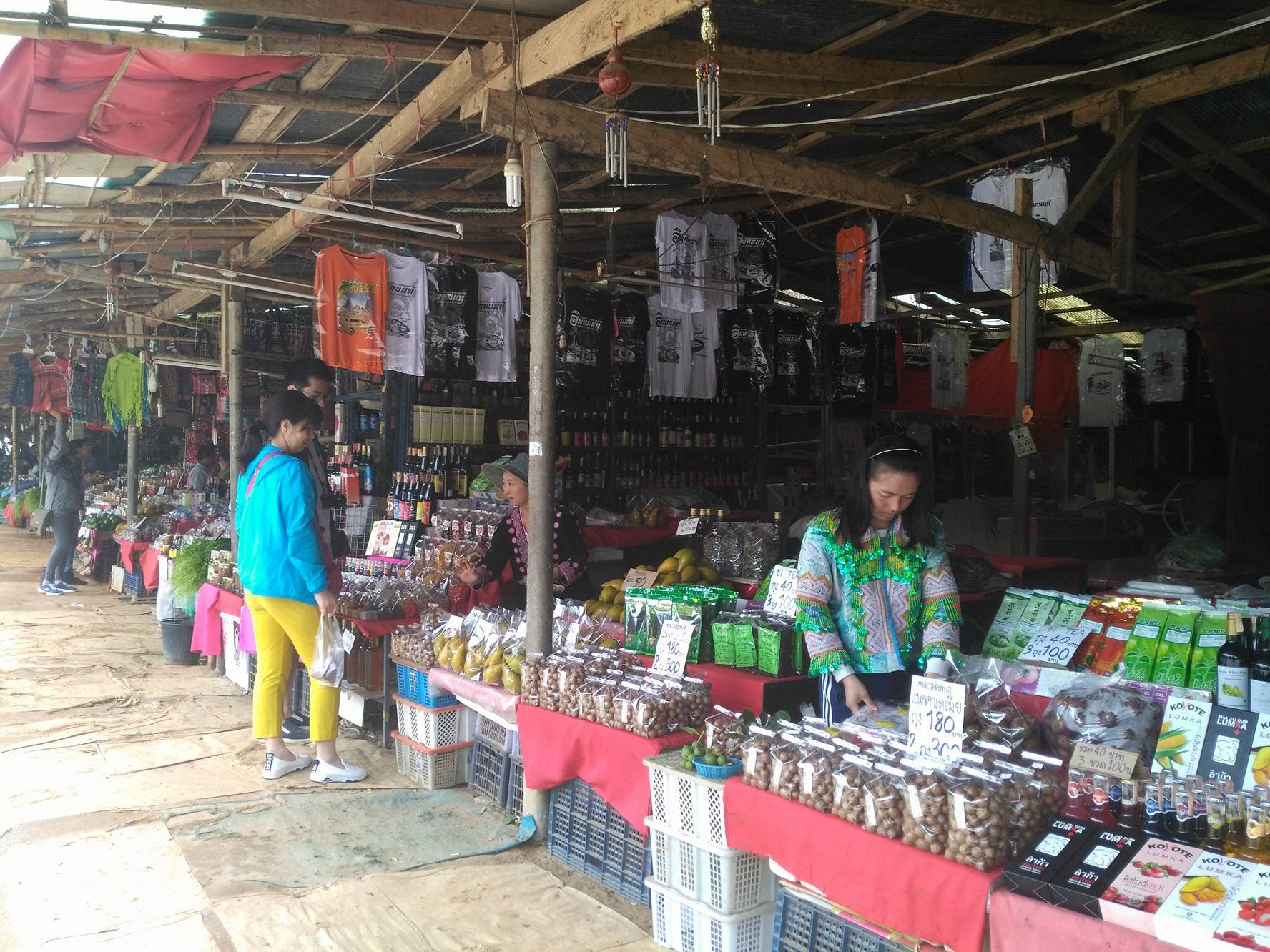 doi inthanon day trip - stayinchiangmai tour market