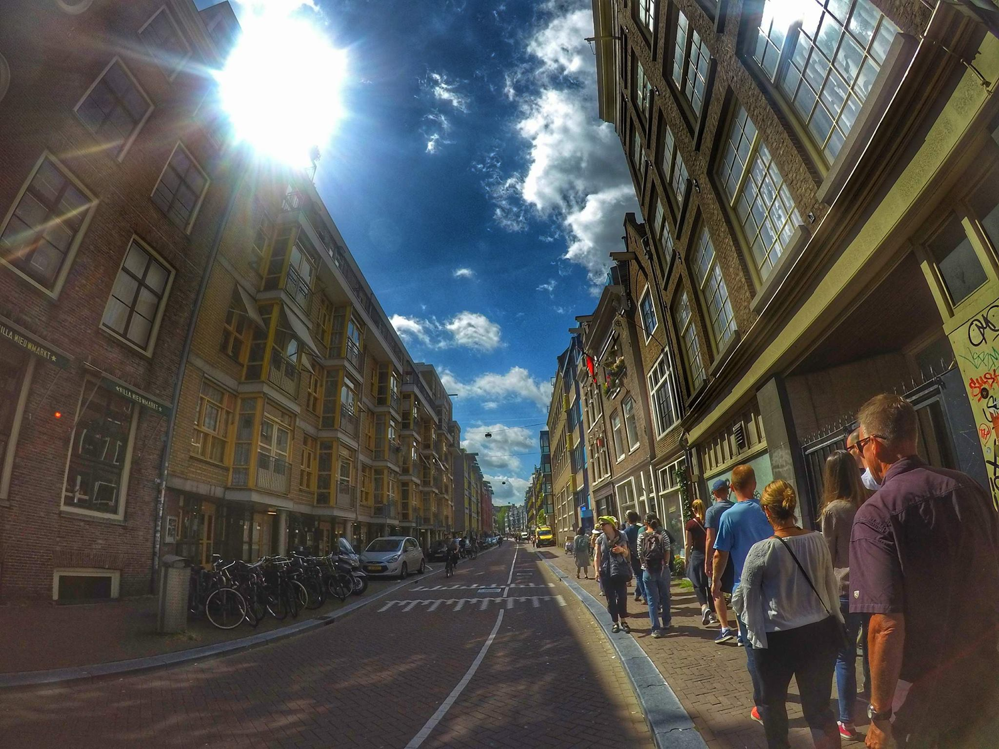 free walking tour - 10 things you must do in Amsterdam