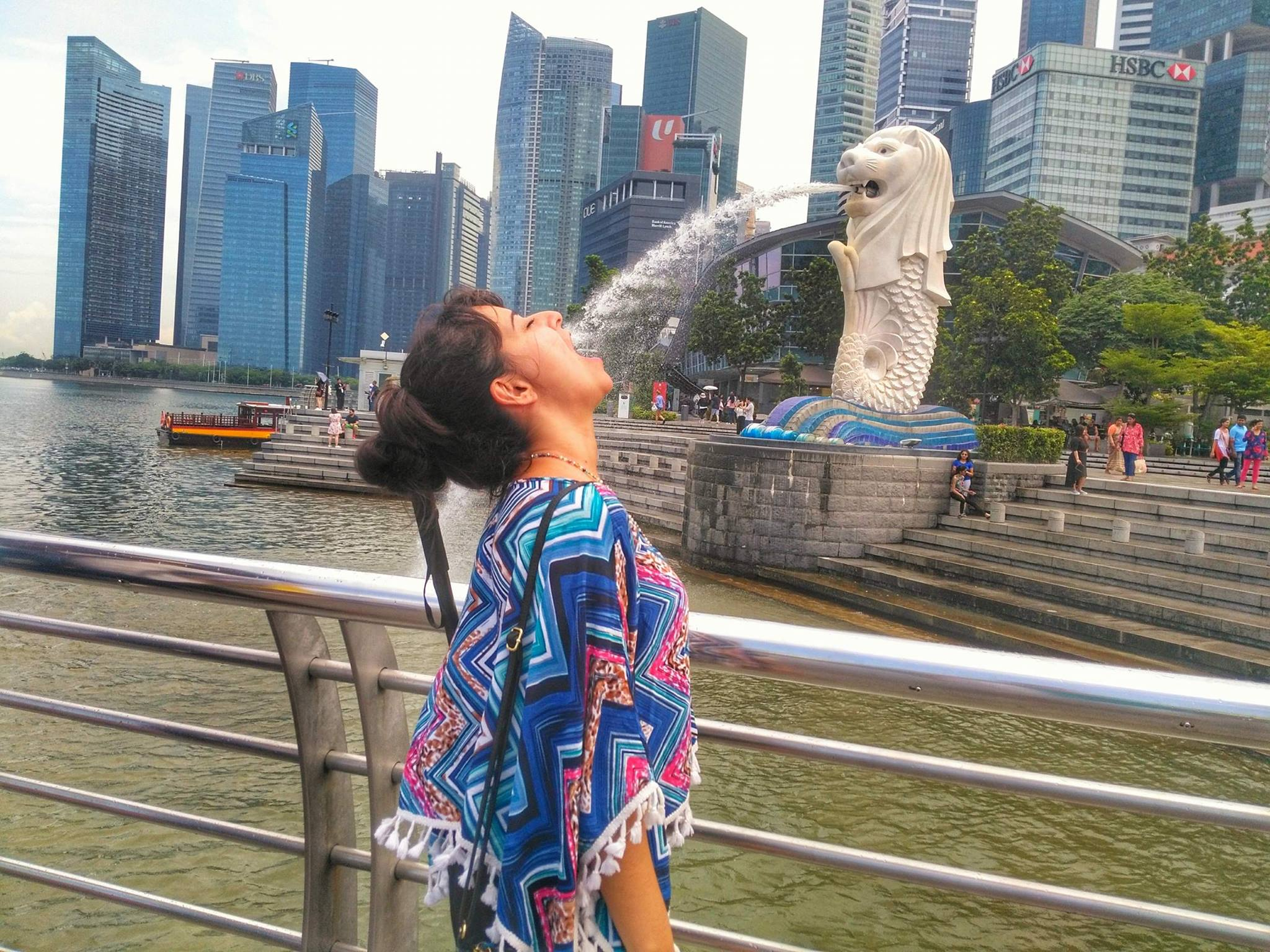 places to visit in Singapore in one day - Merlion Tourist Photo