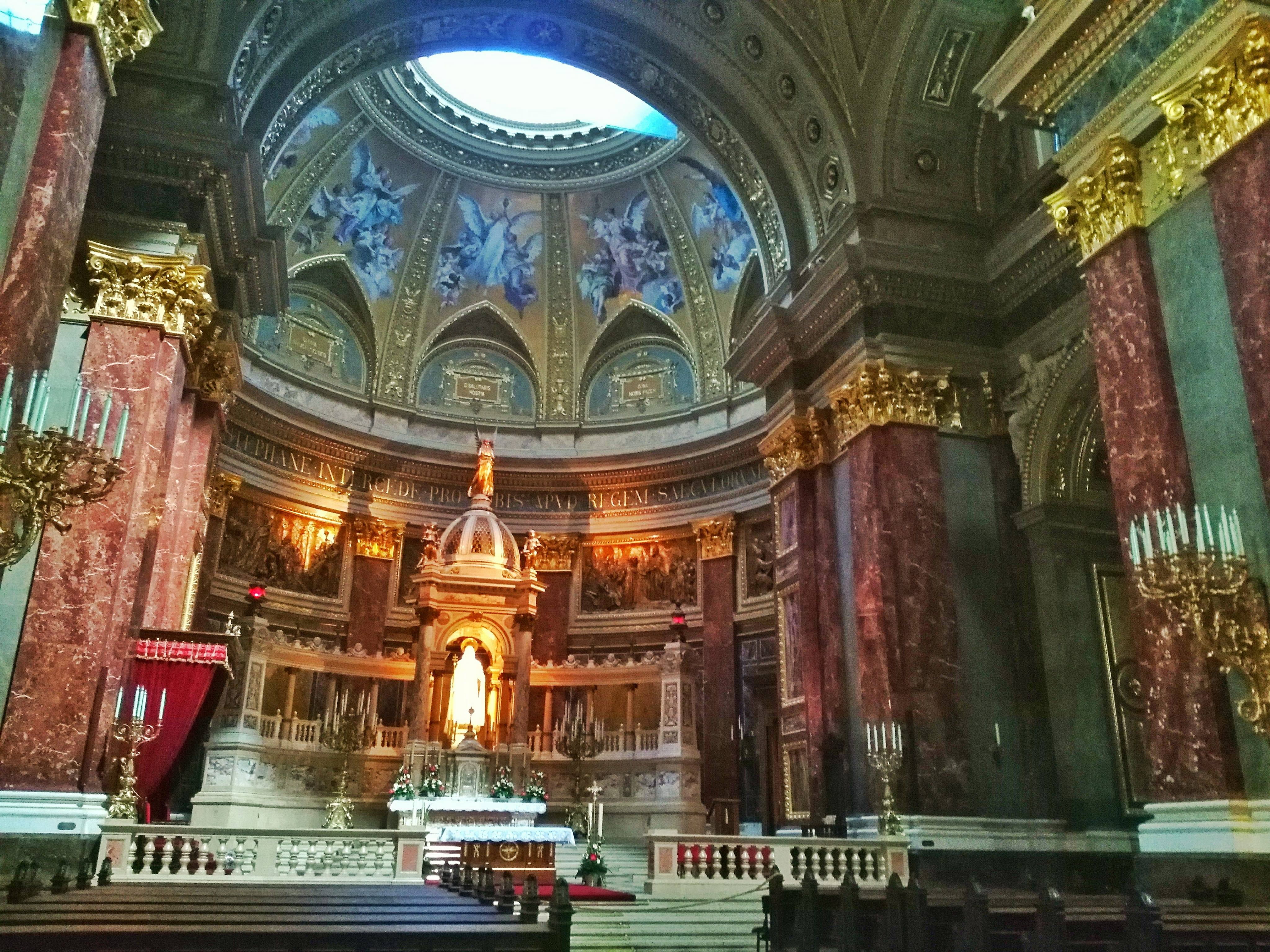 top 5 things to see in Budapest - Basilica interior