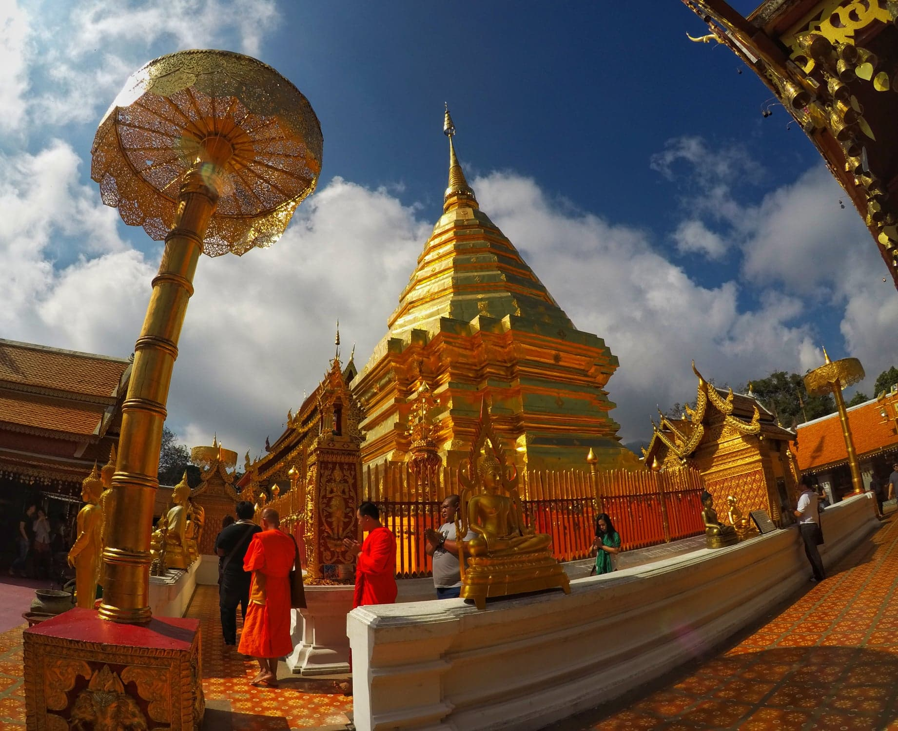 planning a trip to thailand - Wat Phra That temples