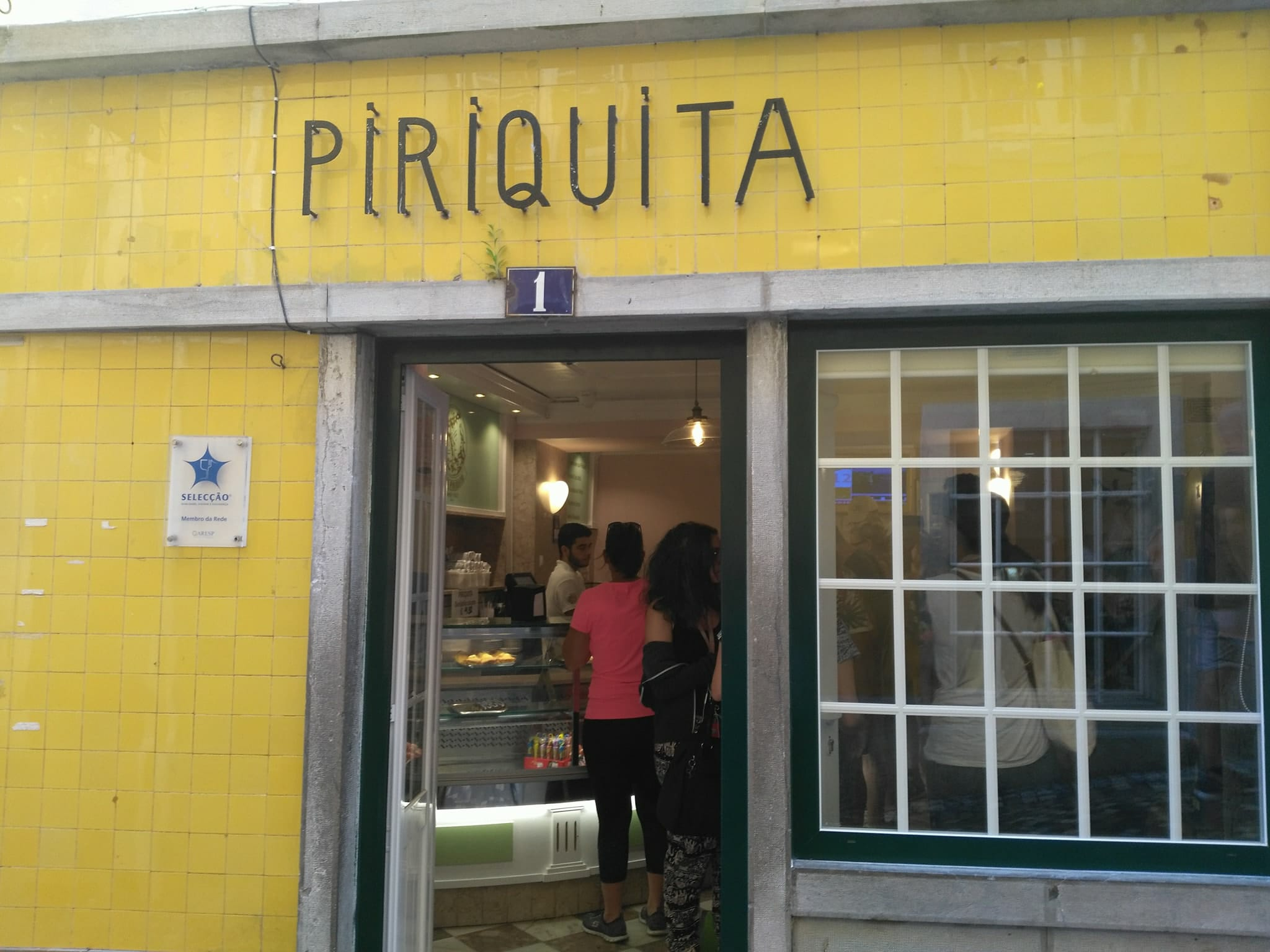 things to do in Sintra Portugal - eat pastries
