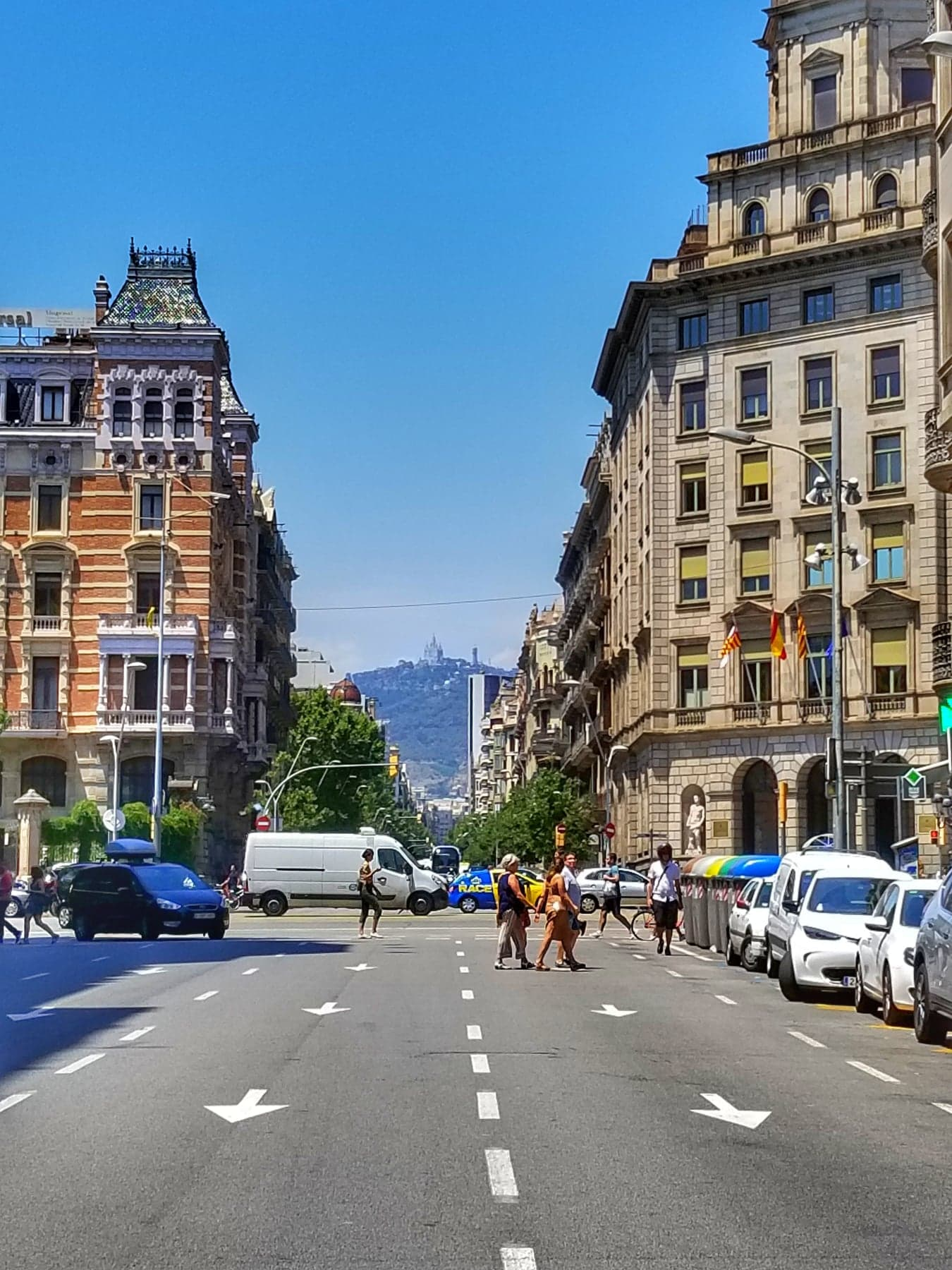 Barcelona travel tips - where to stay