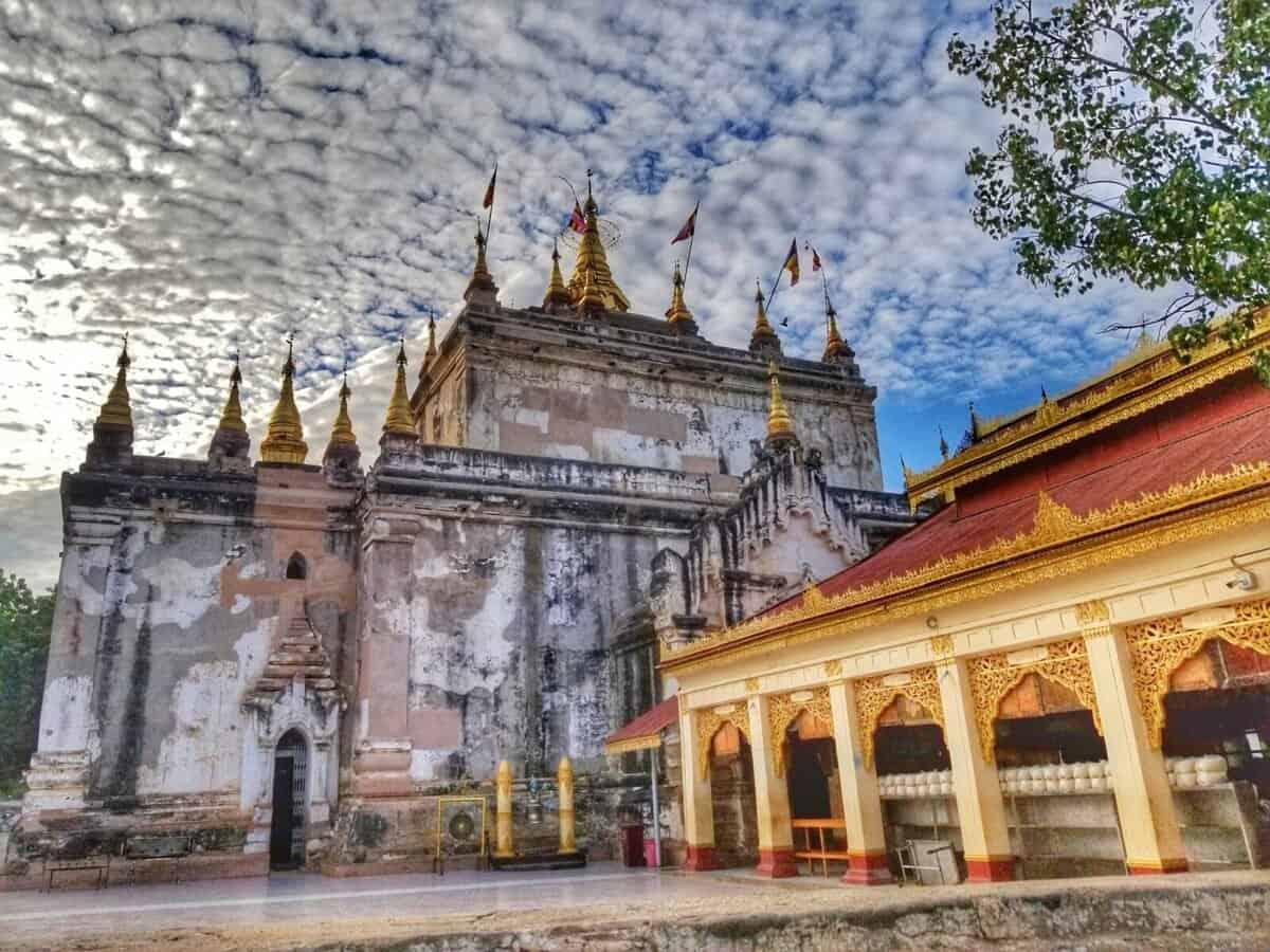 Manuha temple Bagan