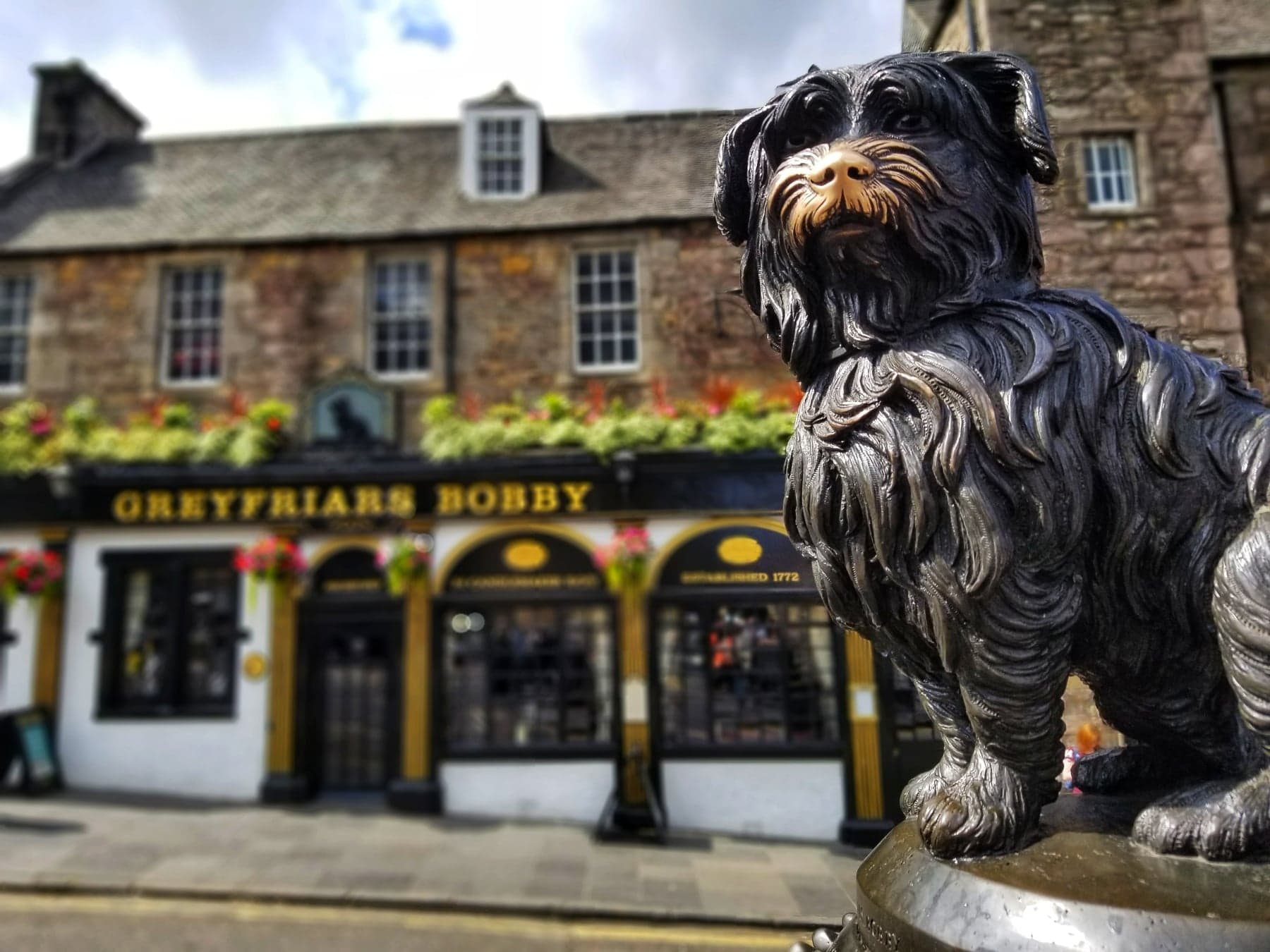 places to visit in Edinburgh - Greyfriars Bobby Statue