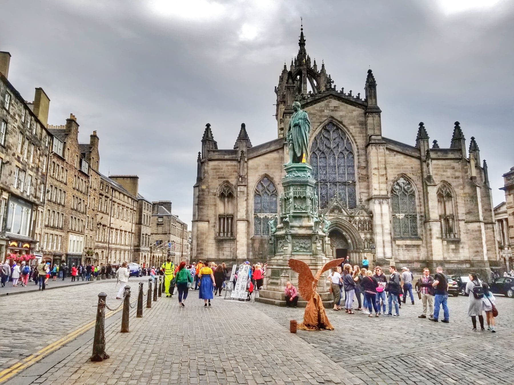 places to visit in Edinburgh - Royal Mile