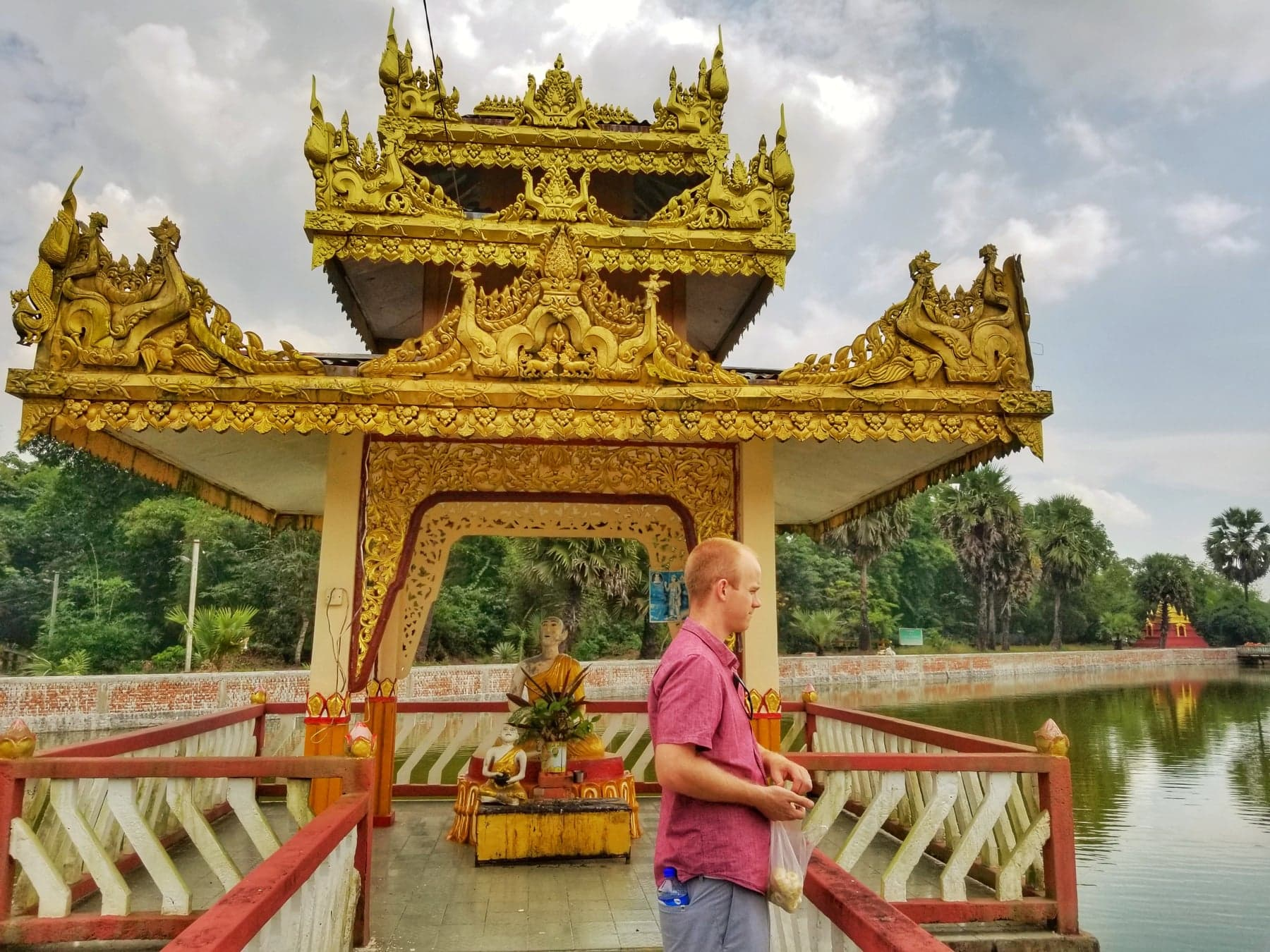 Yangon Myanmar points of interest - Paung Taw Pagoda surrounding